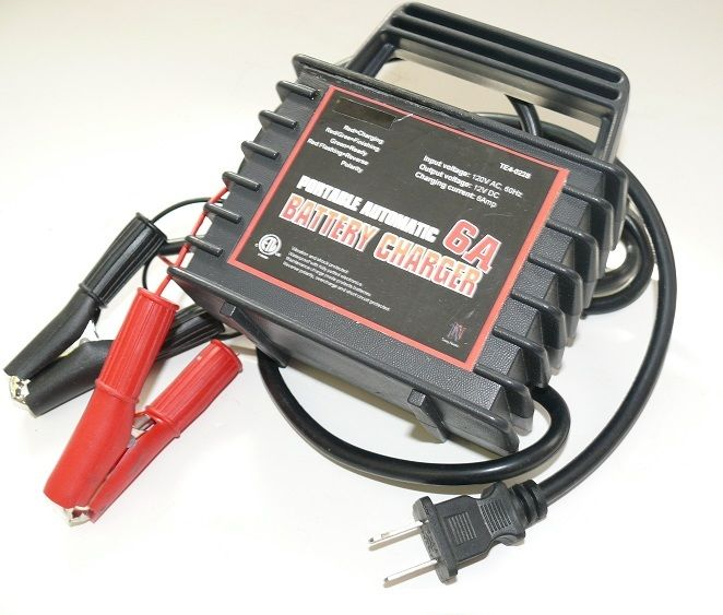 Titan SpeedCharge 6 Amp High Frequency Battery Charger by TITAN